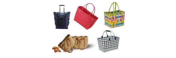 Einkaufstaschen und Körbe